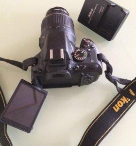Nikon D5100 с объективом 18-55
