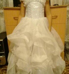 Красивое платье для девочки 5-7 лет