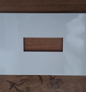 Плитка с ровным вырезом посередине
