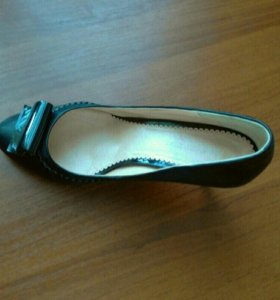 Новые  кожаные туфли Francesco donni