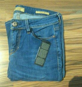 Новые джинсы guess 27