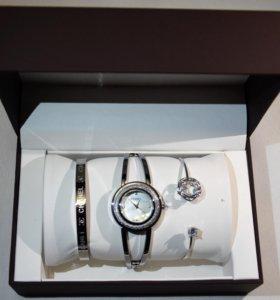 Женские часы с браслетами Chanel