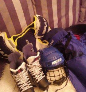 Форма для игры в хоккей. Можно по отдельности