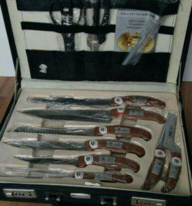 Набор ножей, столовых приборов в чемоданчике