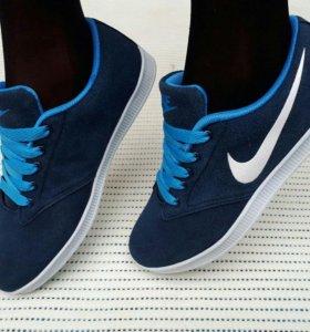Кроссовки женские Nike замша