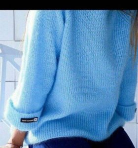 Тёплый свитер.