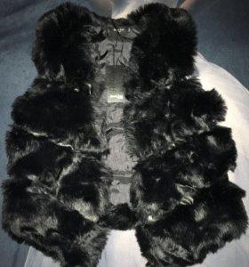 Кожано-меховая жилетка новая