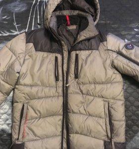 Зимний пуховик, очень тёплый и удобный