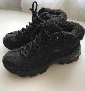 Зимние женские ботинки Skechers