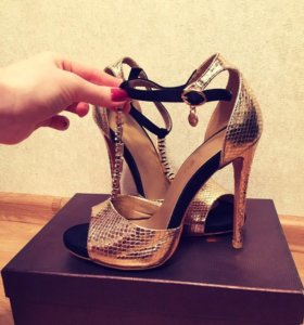 Новые туфли босоножки 37-38
