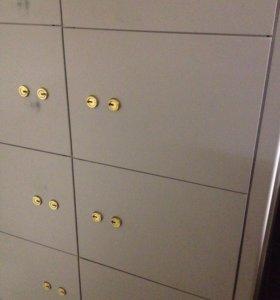 Шкаф с ячейками