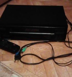Видеомагнитафон на кассетах на запчасти