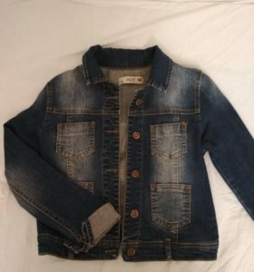 Рубашки и джинсовая куртка