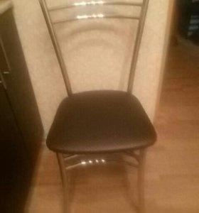 Перетяжка мебели (стулья , табуреты, диваны).