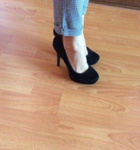 Туфли чёрные замшевые