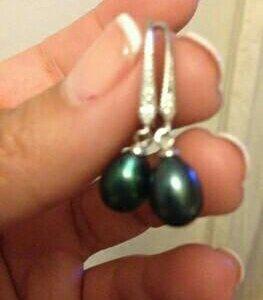 Серебряные сережки с черным жемчугом