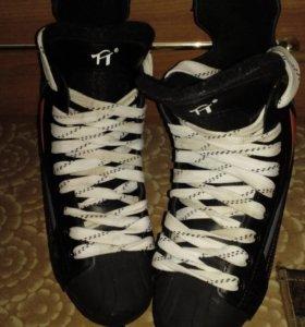 Хокейные коньки APEХ