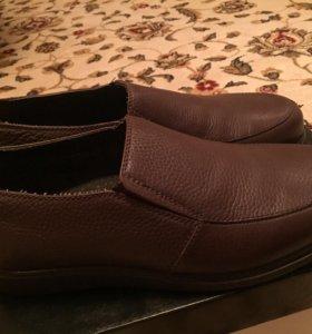 Фирменная обувь,новая