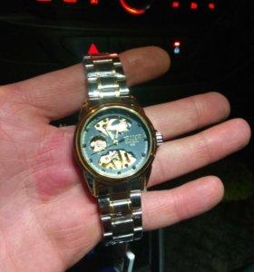 Часы механ-кие с автоподзаводом, water resistant