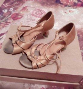 Бальные туфли для латины
