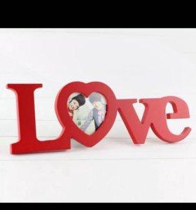 Рамка для фотографий Love красная