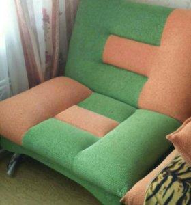 Яркое классное кресло -кровать