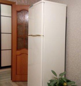 Холодильник 2 камерный