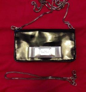 Лакированная сумочка-клатч