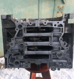 Блок двигателя Subaru FB25