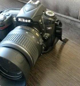 Nikon D90 зеркальная фотокамера