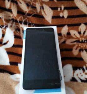 Продам телефон Lenovo A6010, разбит экран.