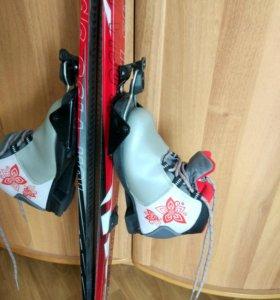 Лыжи и лыжные ботинки 30р