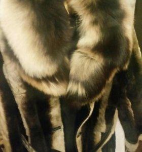 Шуба мутоновая с чернобуркой