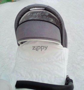 Продаём коляску Zipi