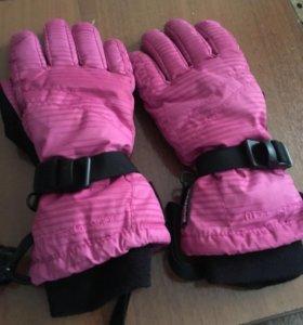 Перчатки горнолыжные женские