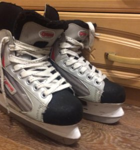 Коньки хоккейные. 38 размер