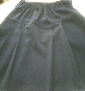 Школьная форма( блузка и юбка)
