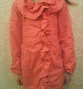 Демисезонное детское пальто на девочку 7 лет
