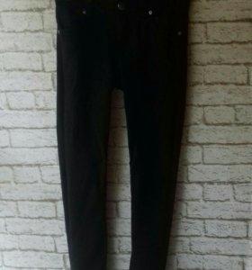 Черные джинсы 25р-р