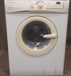Продам стиральную машину Electrolux