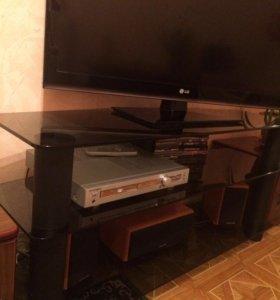 Тумбочка для телевизора стеклянная