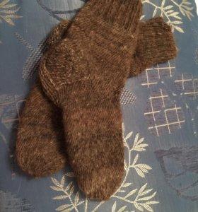 Носки из собачей шерсти.