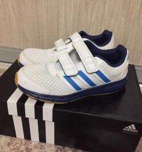 Кроссовки Adidas размер 32 195 см