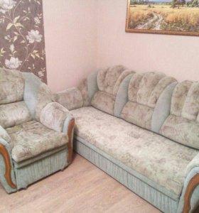 Продам диван и одно кресло.