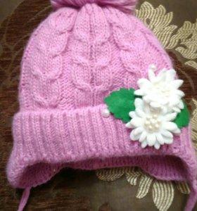 Новая зимняя шапочка для малышки