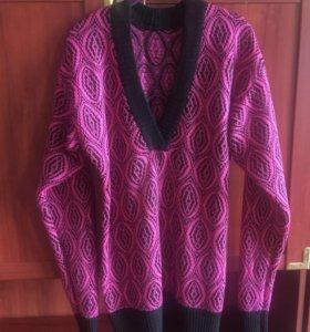 Женский удлиненный свитер