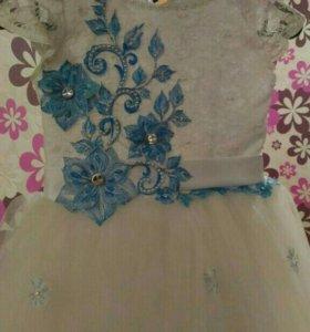 Празднечное платье для девочки