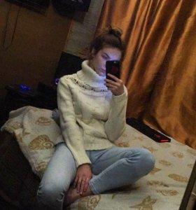 Тёплый вязанный свитер
