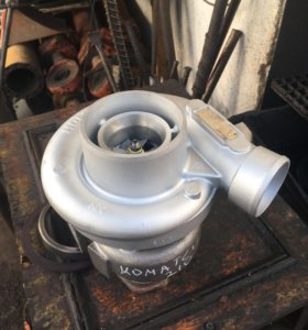 Турбокомпрессор (турбина)на экскаватор komatsu 210