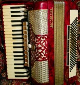 Продается аккордеон Horch
